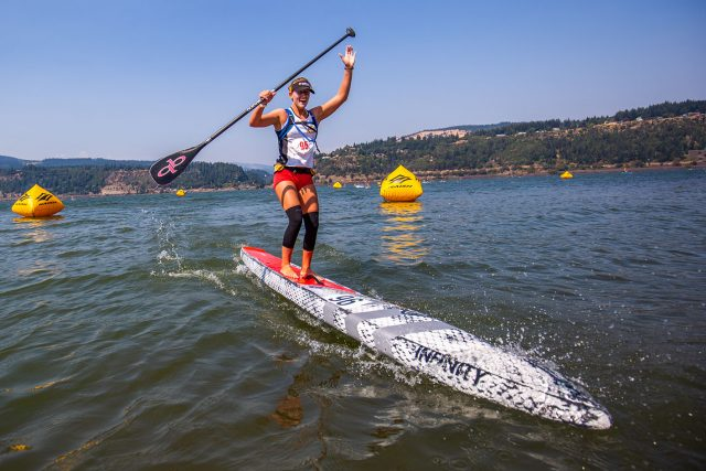 Foudy llegando a meta. Gorge Paddle Challenge 2018
