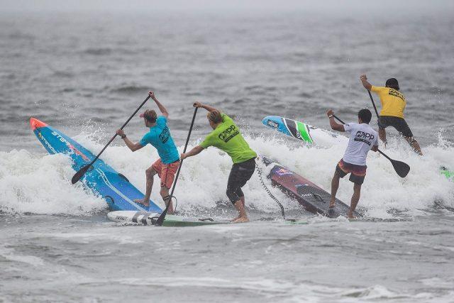 Riders contra las olas Sprints NY