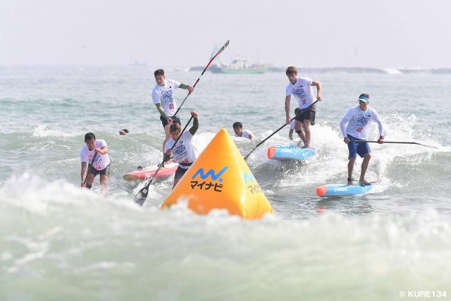 Mucho oleaje SUP Japan CUP