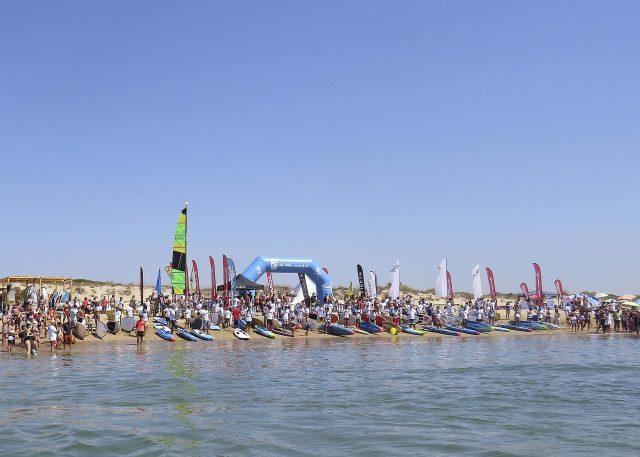 Linea de salida del  III Discover Huelva SUP Festival