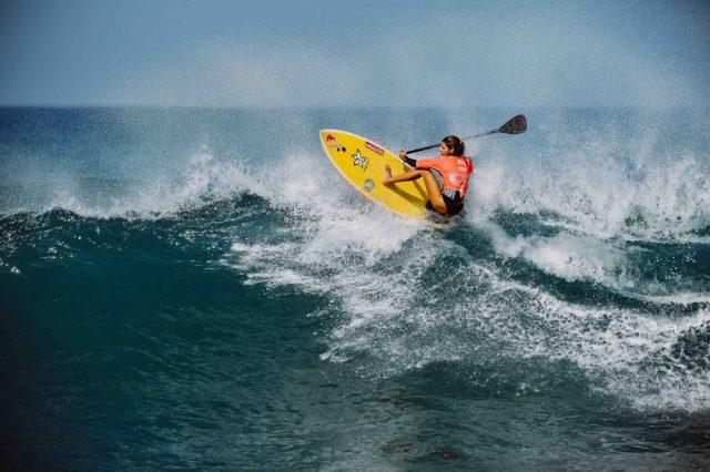 Pacelli en lo alto de la ola. SUP Surf APP World Tour 2018