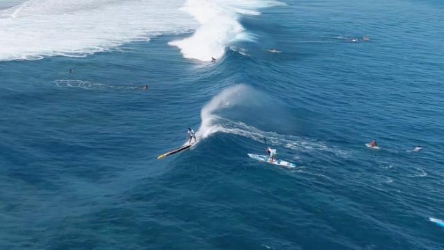 Olas en el Air Tahiti Nui Royal Paddle Race