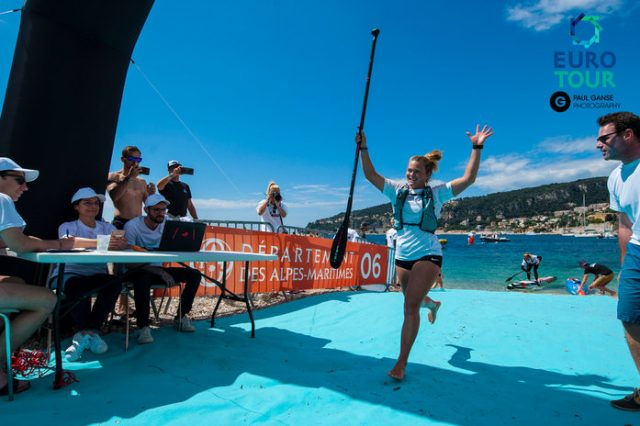 Fiona Wilde llegando a meta. Azur Paddle Days