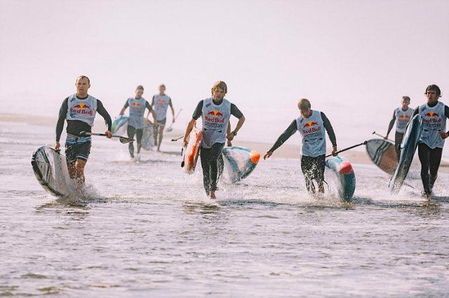 Los participantes deben darlo todo en el Red Bull Heavy Water 2019