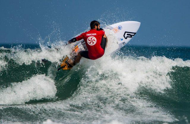 Stand Up Paddle modalidad de olas