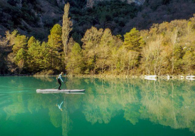 SUP en agua flat en el Pirineos SUP Festival