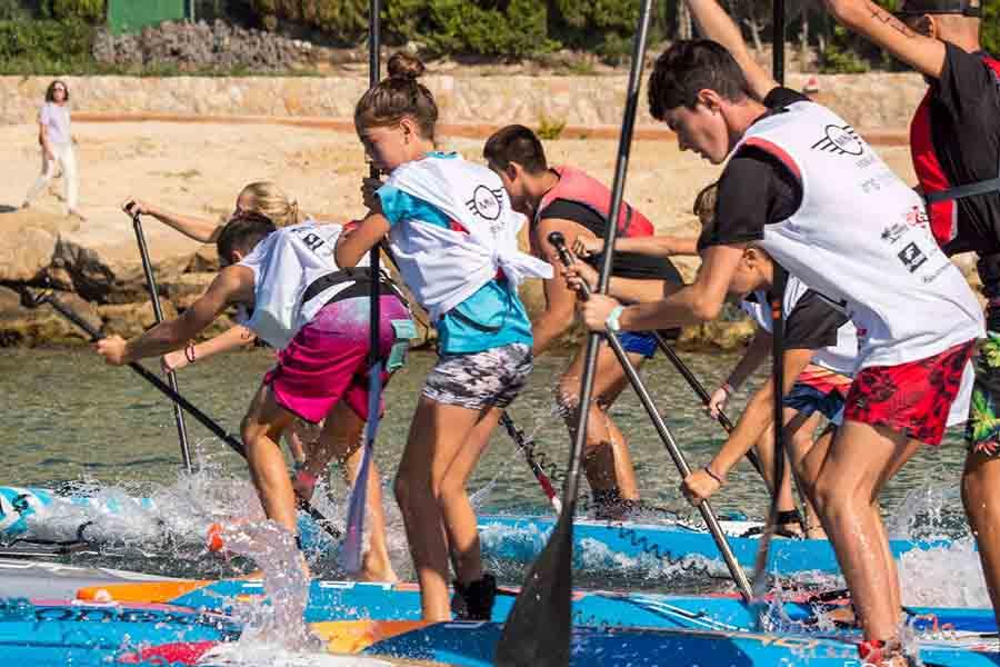 Salida en competición. Campus SUP Race Jóvenes Promesas